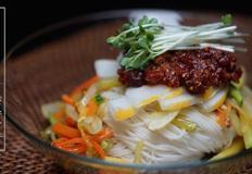세상 가장 맛있는 비빔국수(Bibim Noodles) 만들기 + 돼지고기 약고추장(saut?ed hot pepper