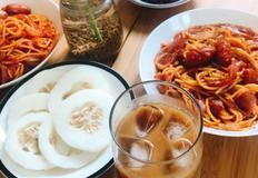 매콤하고 맛있는 이색적인 토마토 스파게티를 즐겨보세요 !