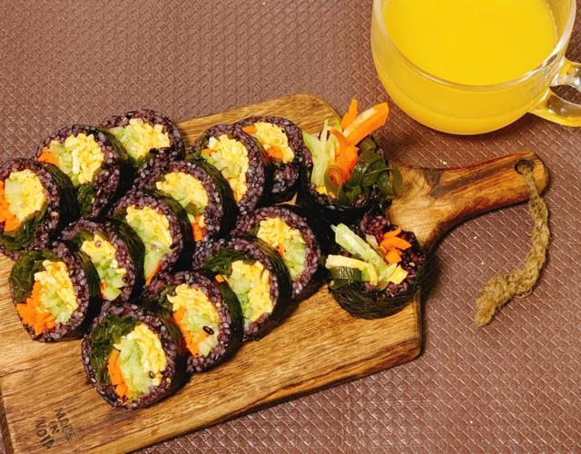 흑미다시마김밥