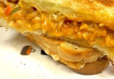 정말 정말 맛있는 마늘면볶이 치즈 토스트!