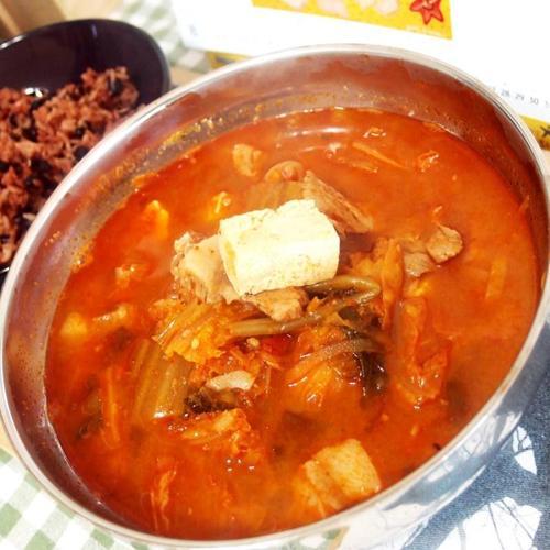 #수미네반찬 #돼지고기김치찌개만들기 #목살을 넣고 끓인 칼칼한 김치찌개 #매실액과 새우젓이 키포인트!!!