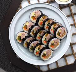 깻잎이 들어간 참치김밥은 식상해 맛집레시피 묵은지참치김밥 ★
