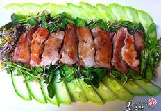 돼지고기 샐러드 로 즐기기