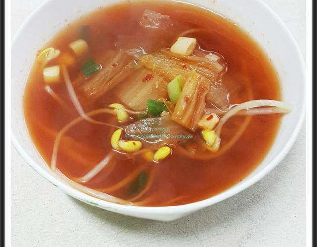김치콩나물국