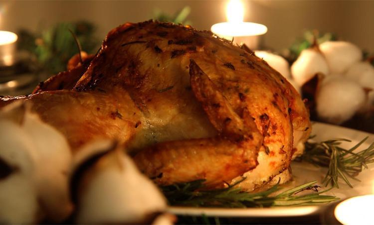 연말,크리스마스식탁에 어울리는 마늘 허브버터에 버무린 로스트치킨