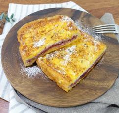 프렌치토스트 만드는법 딸기잼 넣은 달콤 겨울간식 홈브런치