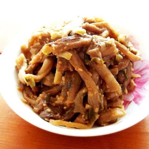 #토란대요리 #토란대볶음만들기 #삶아낸 토란대를 이용해서 간단하게 된장양념으로 만들어낸 토란대볶음 #비빔밥재료