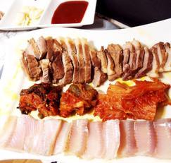 #돼지고기요기 #홍어삼합만들기 #돼지고기수육만들기 #돼지고기앞다리살요리 #슈바인학센