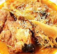 #돼지고기요리 #돼지앞다리살요리 #돼지고기김치찜만들기 #김장김치를 이용한 군내없이 만드는 돼지고기김치찜!!