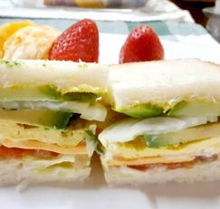 아보카도 샌드위치