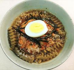김치말이 국수 2가지 육수로 시원하고 감칠맛 뿜뿜~^^.. 자취 요리로도 좋아요.