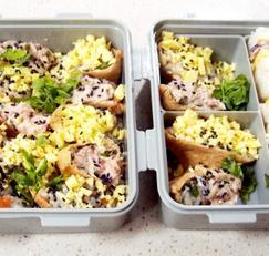 #참치요리 #소고기요리 #소고기참치유부초밥만들기 #참치샐러드를 위에 올린 유부초밥 #달걀지단을 올린 유부초밥
